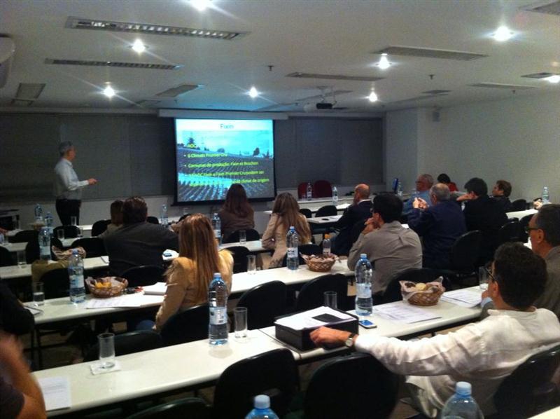 Aula na ABS-SP, em sala apropriada, com todos os recursos audio-visuais para melhor aproveitamento dos temas abordados