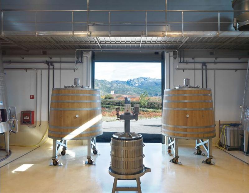 Equipamentos de microvinificação, fonte de pesquisa de novos vinhos e novas técnicas viticulturais