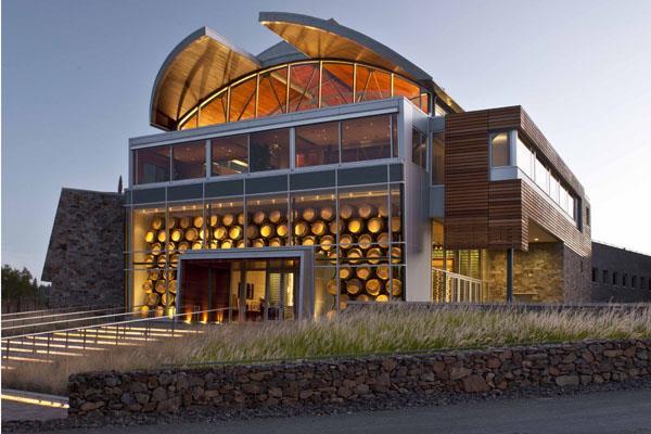 A nova e imponente vinícola de Williams Selyen é um marco no Russian River, Sonoma, Califórnia