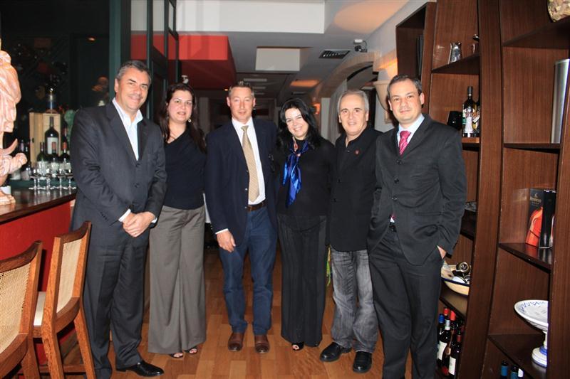 Na foto, da esquerda para a direita: Lamberto Percussi, Daniela Castro, Maarten Leereveld, Rosana Bacigalupo, Arthur Azevedo e Giovanni Bacigalupo