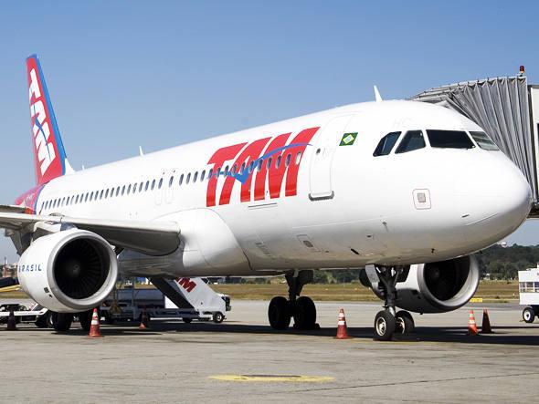 """Avião da TAM, a """"Adega Voadora"""""""
