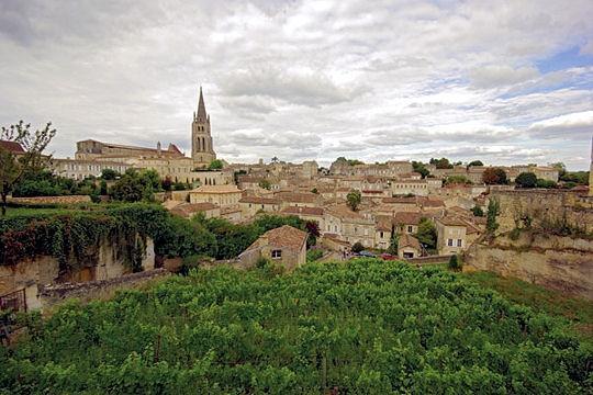 Saint-Émilion, região onde a uva Merlot reina absoluta...