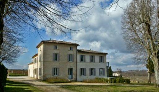 Château Valandraud, um dos mais famosos Vin de Garage, é produzido nesta pequena propriedade, em Saint-Émilion