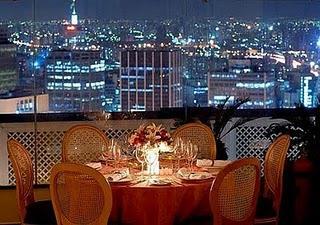 Um jantar a dois, com esta vista, é um dos melhores programas para se fazer em São Paulo, e com a nova Enomatic Elite certamente será ainda mais atraente